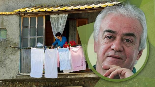Ko će zadrugraima da pere čarape - © Agromedia