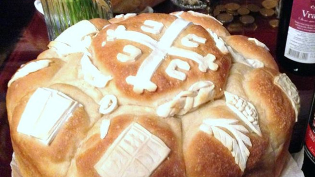 Obavezni ukrasi na slavskom kolaču: simbolika i značenje - © Agromedia