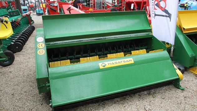 Mašine za berbu lešnika i oraha - © Agromedia