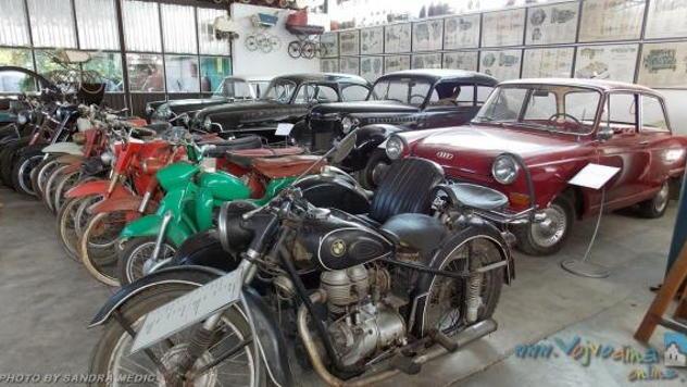 Stari automobili i motori © Foto: FB stranica Muzeja Žeravica