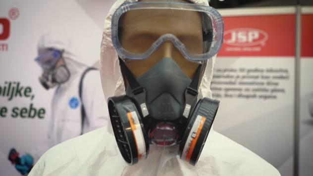 Šta vam je od lične zaštitne opreme potrebno kada koristite pesticide - © Agromedia
