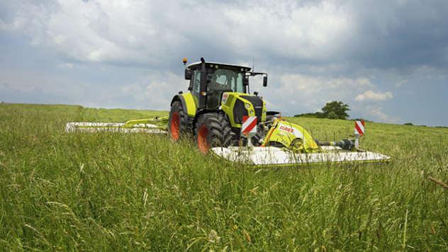 Claas traktor - iz arhive fotografija kompanije