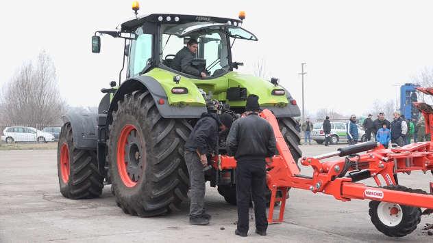Borba traktorskih velikana - ©Agromedia