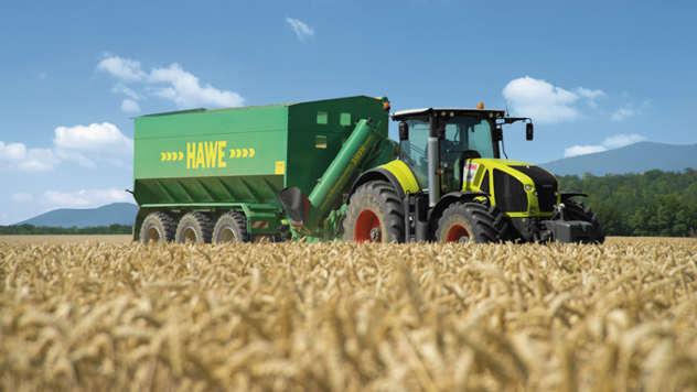 Claas traktor - iz arhive fotografija kompanije Almex