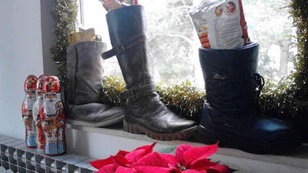 Božićni pokloni u cipelama - foto: Ana-Marija Barić