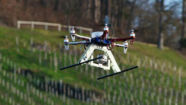 dronovi primena u poljoprivredi