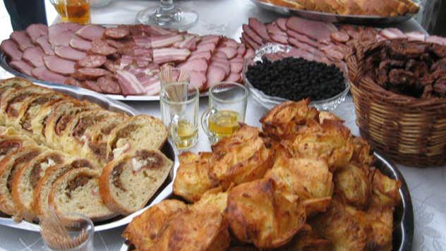 Hrana spremeljena za delegaciju iz Kine - © Foto: Biljana Nenković