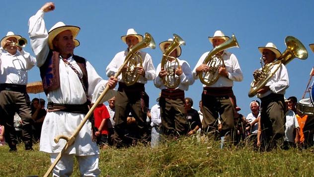Kosidba na Rajcu, kosači i svirači