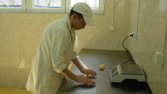 Obrazovni smer za pekara - © Foto: arhiva Poljoprivredno-hemijske škole Kraljevo