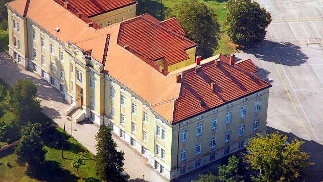 Školska zgrada - © Foto: arhiva Poljoprivredno-hemijske škole Kraljevo