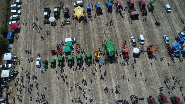 John Deere štand u Kaću - ©Agromedia