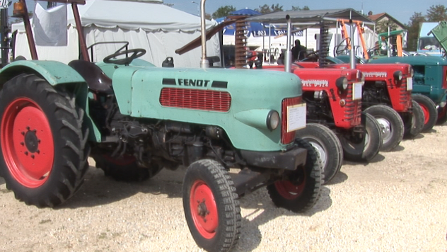 Traktori na sajmu - ©Agromedia