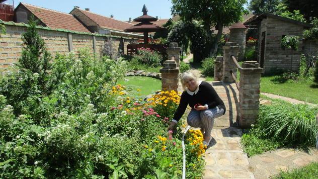 Slađana Perić iz Kikinde u svojoj bašti © Foto: Dragana Starčević