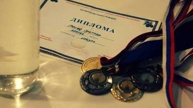 Medalja za zlatnu jabukovaču - © Foto: Vukašin Ljuština
