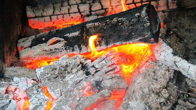 Pepeo dobijen sagorevanjem drva je najkvalitetniji - © Foto: www.pixabay.com