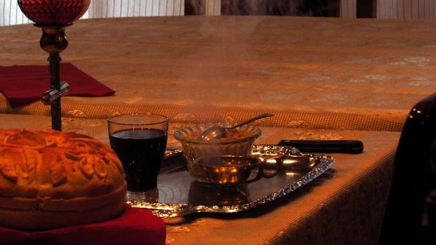 Slavski hleb ili kolač, žito, sveća i vino - foto: Miloš Topi Miladinović