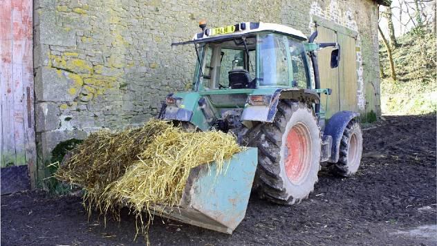 Traktor utovarivač - © Pixabay