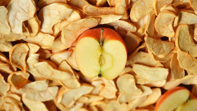 Priprema jabuka za sušenje © Pixabay