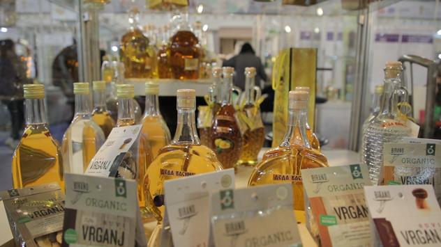 Rakija na etno sajmu hrane i pića © Agromedia