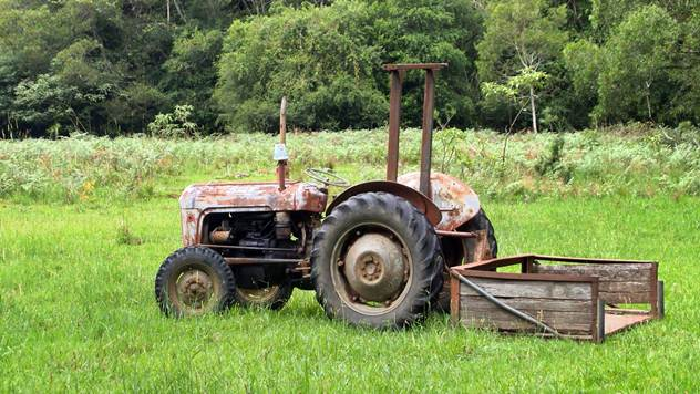 Stari traktor @ Pixabay