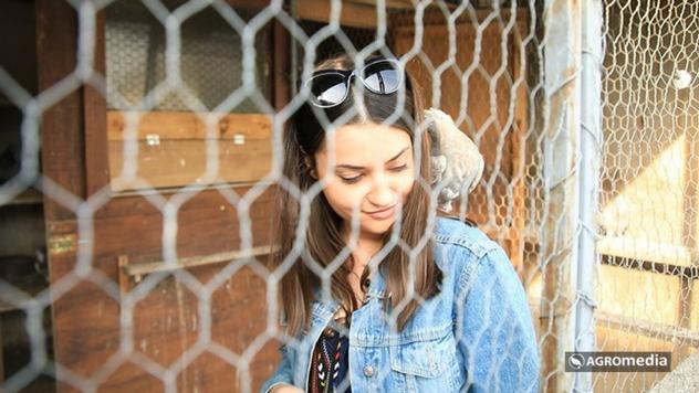 Tijana Bajić sa golubicom ©