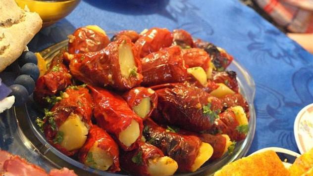 Suve paprike punjene mlevenim mesom i pirinčem