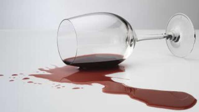 Ljutiti francuski vinari sproveli drakonske mere protiv uvoza španskog vina!