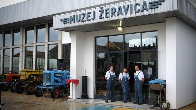 """""""Žeravica"""" - JEDINI muzej starih traktora i parnih mašina na Balkanu!"""