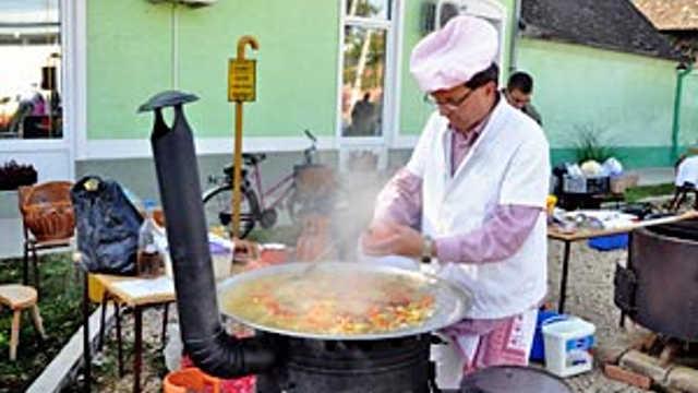 """Vesti - Počinju """"Dani mađarske kuhinje"""" u Skorenovcu"""