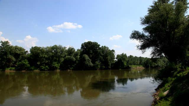 Vesti - Realizovan sistem za navodnjavanje za 350 hektara u Topoli!