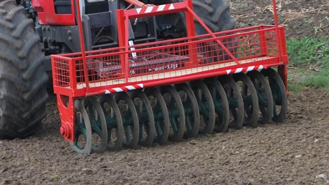 Neispravnost traktora najčešći uzrok nesreća u poljoprivredi!