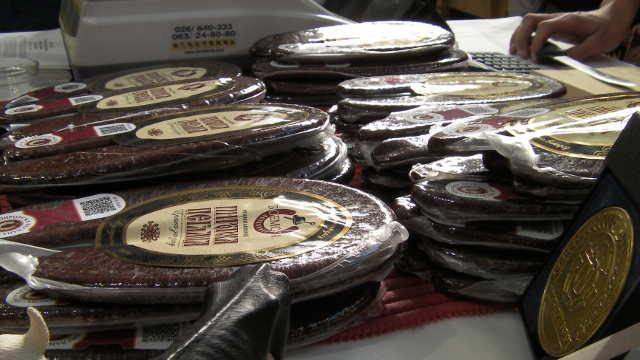 Potražnja za pirotskom peglanom kobasicom sve veća, sirovinska baza sve slabija