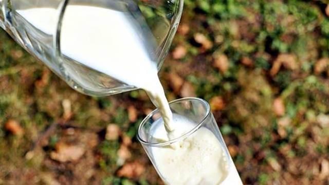 Evropska komisija neće prodavati mleko u prahu iz svojih rezervi