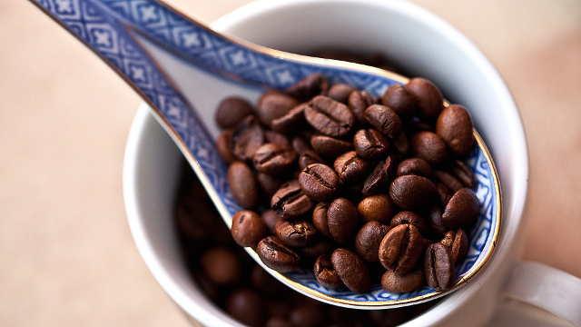 Jednostavan trik kako da prepoznate kvalitetnu kafu