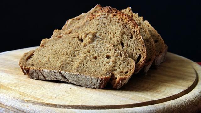 VIDEO SAVETI: Kako da prepoznate PRAVI crni hleb