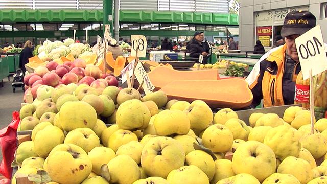 Hrvatska ipak smanjila takse za kontrolu voća i povrća