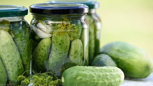 Lako i ukusno: Kako da pripremite zimnicu bez konzervansa