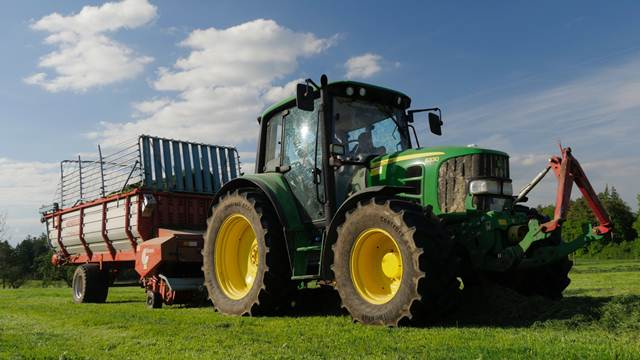 Subvencije za kupovinu polovnih traktora iz uvoza