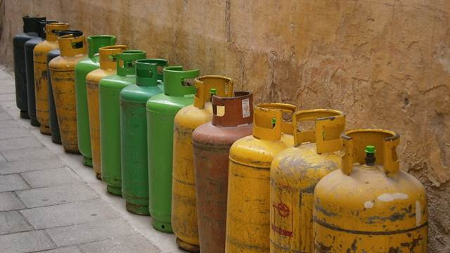 URADI SAM: Kako napraviti peć od stare plinske boce