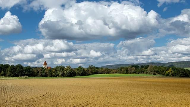 Starim vlasnicima će morati da se vrati čak 92.000 ha zemlje