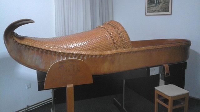 Najduži opanak na svetu, od 3,2 metra delo Slavka Strugarevića