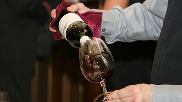 Koje bolesti napadaju vino i kako ih lečiti