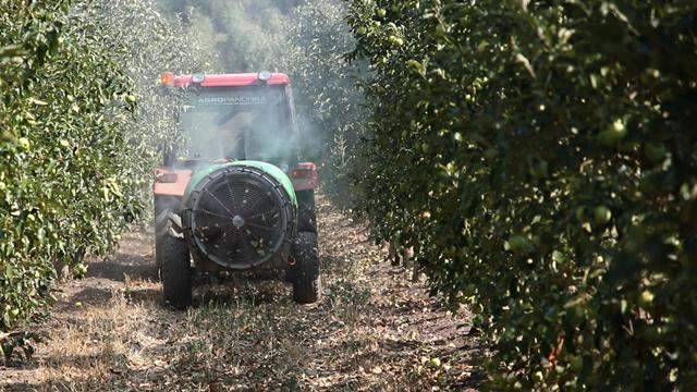polovni traktor - © AgromediaKomšijski  lov na  agronome upozorenje i za nas