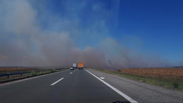 BUDITE NA OPREZU - Opšta opasnost na putu i na polju zbog spaljivanja strništa