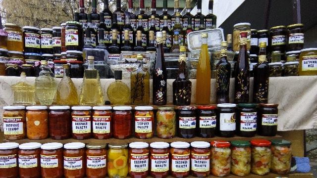 Preradom do slatke zarade: Med sa suvim voćem ili semenom koprive