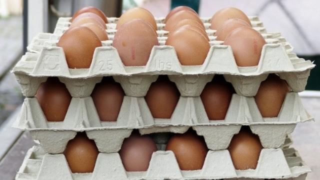 Nerealno niske cene na ruskom tržištu: Za pola dolara možete kupiti 10 jaja