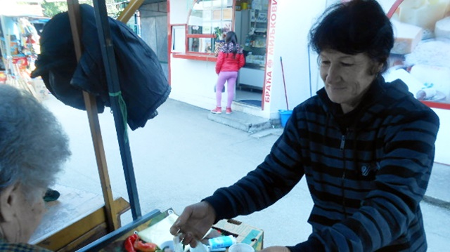 """Na selu obavlja skoro sve poslove: """"Kad bi svi radili kao mi, siromašnih ne bi bilo"""""""