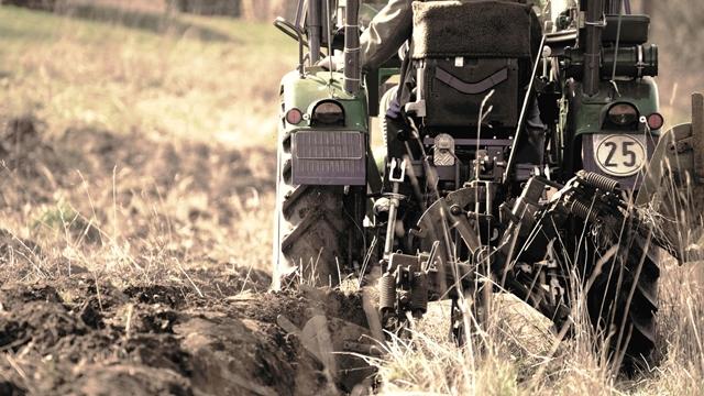 Auto-moto službe traže traktore u besprekornom stanju - Šta je sa ukidanjem registracije?