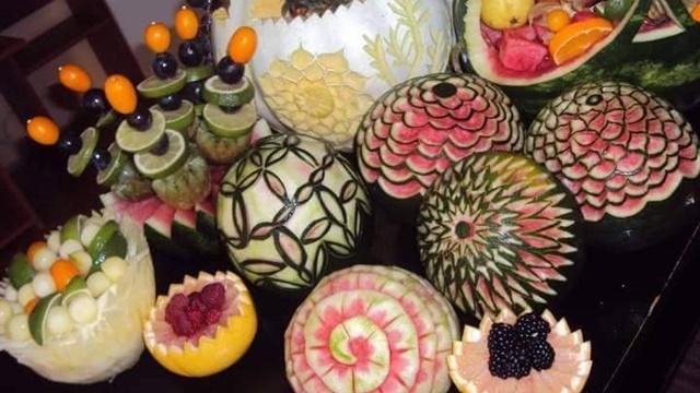 Rezbarenje voća i povrća - od njive do umetnosti na trpezi