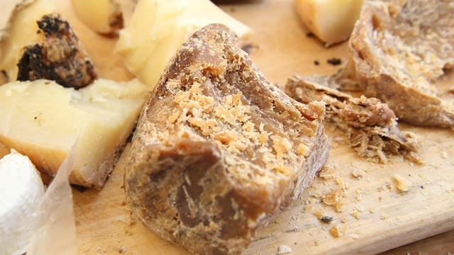 Sir iz rupe - pravi se isto kao pre 500 godina i ne podleže HACCP-u